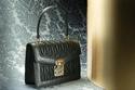 حقيبة سوداء أنيقة من  Miu Miu