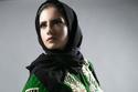 عباية مزودة باللون الأخضر تصلح لليوم الوطني السعودي