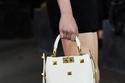 حقيبة بيضاء أنيقة من Valentino