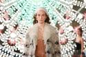 معاطف فرو أنيقة في مجموعة Christian Dior