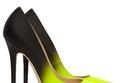 تعشقين الأحذية؟ أياً منها في خزانتك؟