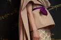 صورة أقرب لفستان Azzi & Osta