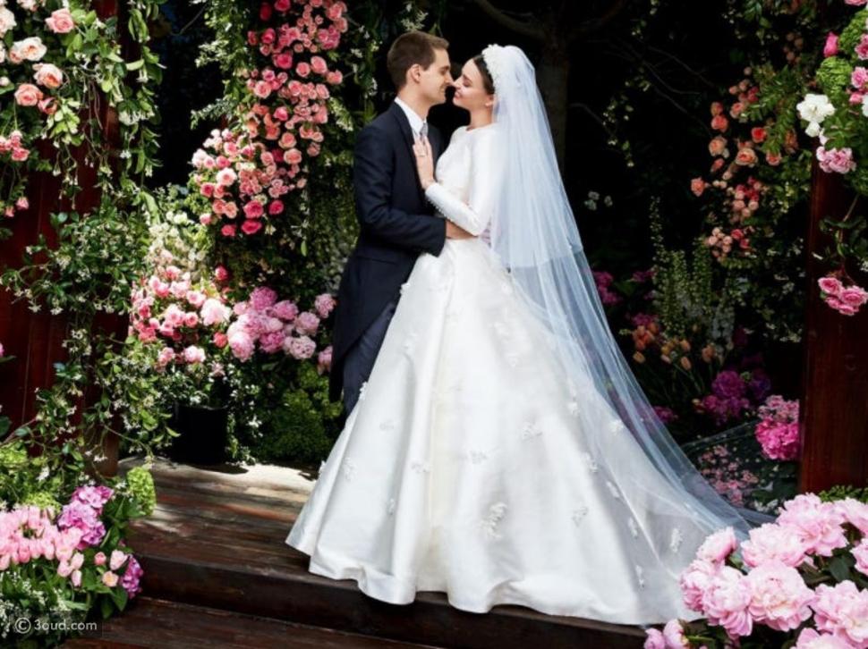 فساتين زفاف مميزة للخريف.. بأكمام طويلة