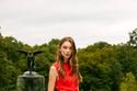 فستان أحمر أنيق من Lela Rose