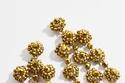 أقراط Statementمكونة من قطرات الزهور مطرزة الذهب