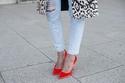 الأحذية المناسبة لكل نوع من بناطيل الجينز
