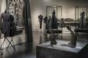 معرض Balenciaga يضم أجمل أعماله باللون الأسود