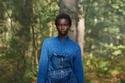 اللون الأزرق مميز في مجموعة Burberry