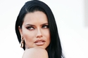 تسريحة شعر Adriana Lima