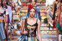 فستان بألوان مميز من Dolce & Gabbana