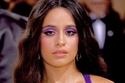 Camila Cabello بظلال عيون أرجوانية