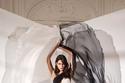 فستان مميز بالأبيض والأسود من زهير مراد