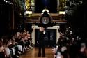 عرض المصممة ستيلا مكارتني في أسبوع الموضة الباريسي 2020