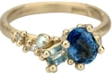 خاتم من Ruth Tomlinso مستوحى من الحضارة الرومانية بـ1980 جنيه استرليني