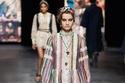تصاميم أخرى تصلح للمحجبات من Dior