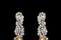 أقراط طويلة من مجوهرات Dior