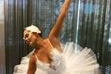 كريسي تيجان متنكرة في راقصة باليه