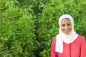 الفتاة التي حولت الصحراء الى واحة خضراء