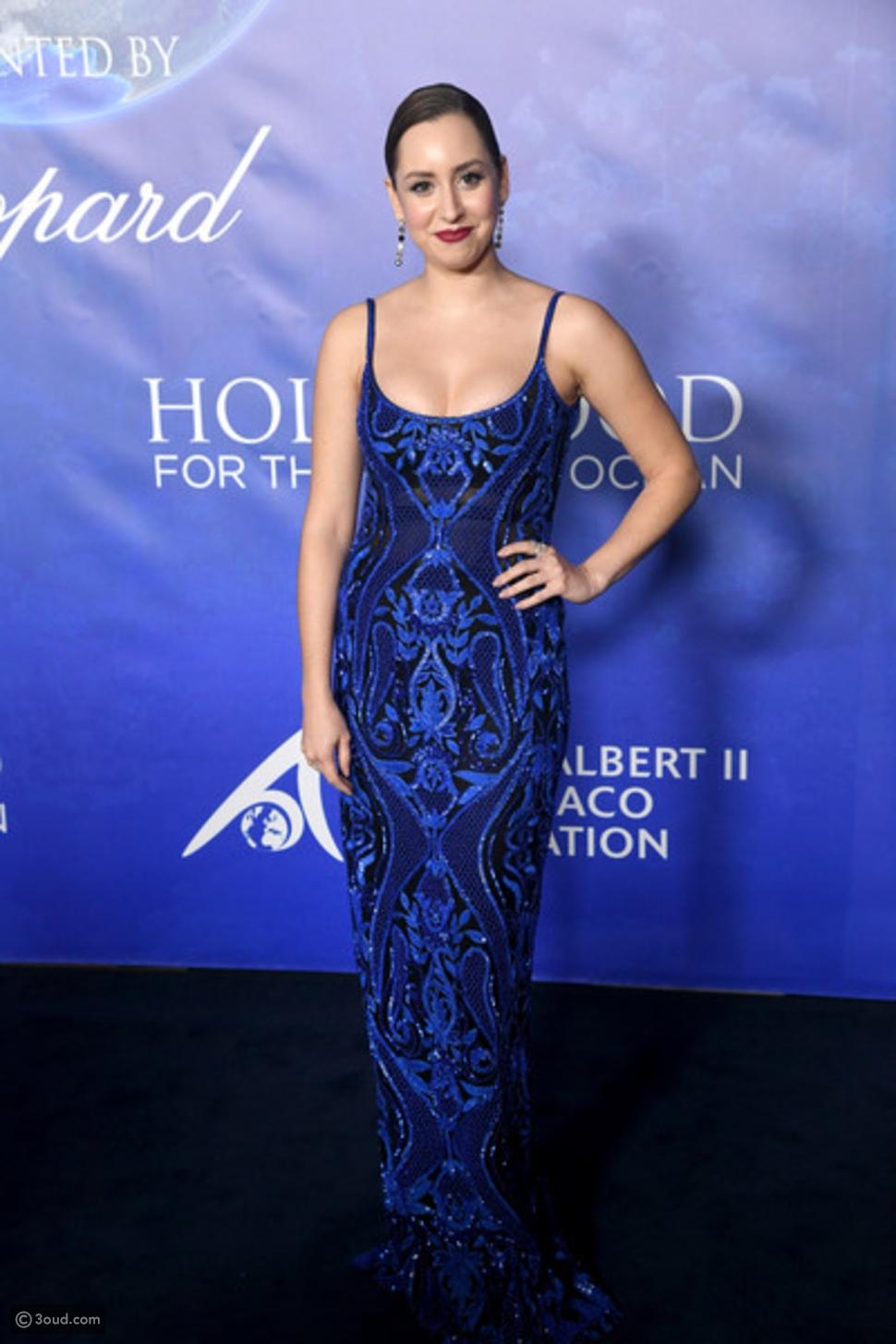 إبنة ألبير دو موناكو  كالحورية في فستانها الأزرق