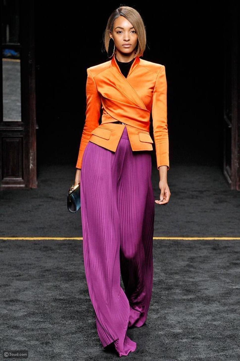 لون خريفي يلقى رواجاً في أزياء الصيف.. تعرفي عليه