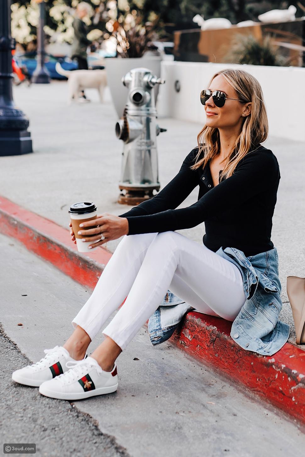 أحذية رياضية لسيدة فوق الـ30