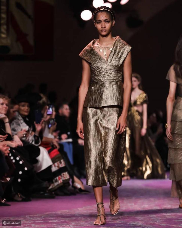أزياء ذهبيّة لامعة تطغى على عرض أزياء ديور لصيف 2020!