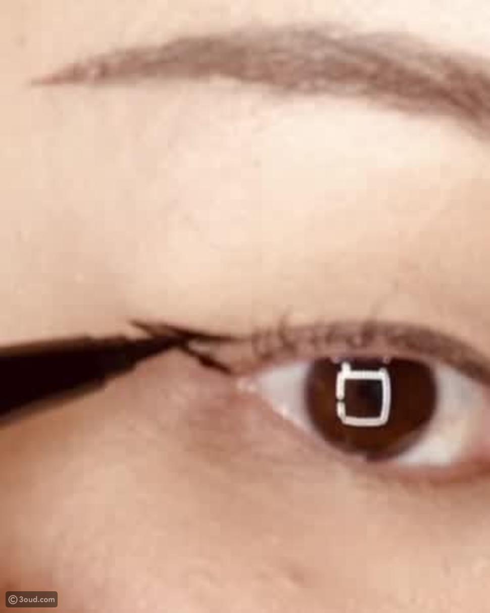 خطوات سهلة للحصول على Cat Eye مثالية