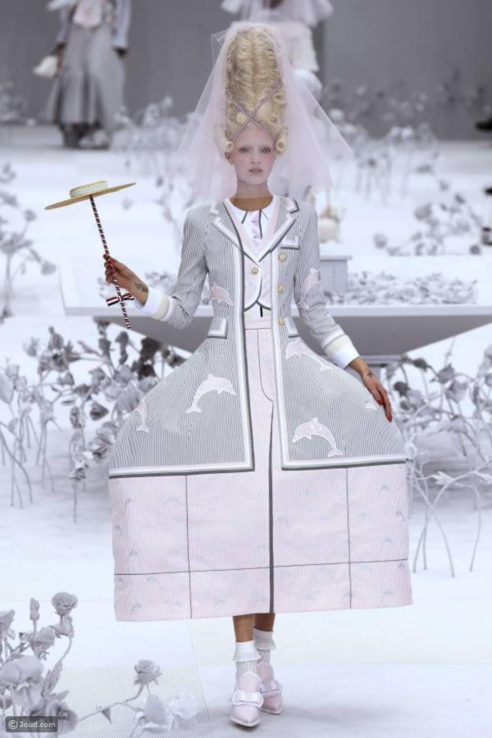 توم براون يصمّم حديقة بيضاء لتقديم عرضه في باريس