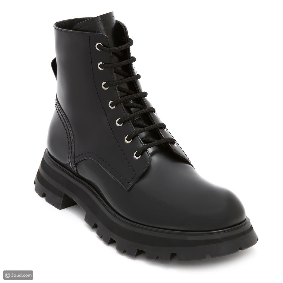 أليكسندر ماكوين يقدم أحذية واندر من تشكيلة ربيع وصيف 2021