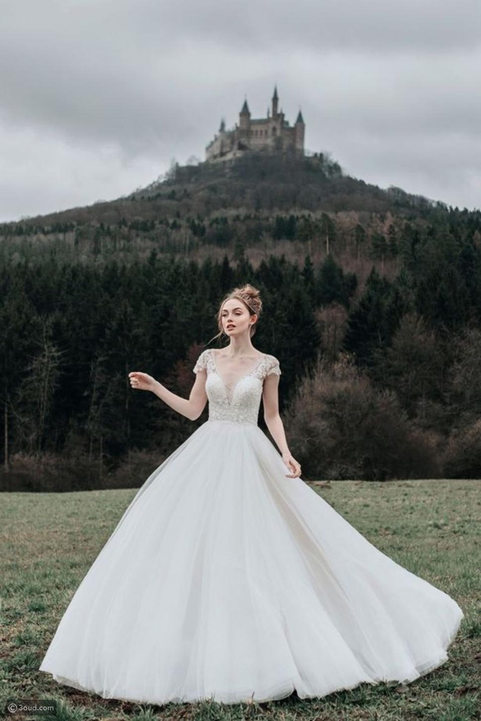 ديزني تصدر مجموعة فساتين أزياء مستوحاه من أميراتها