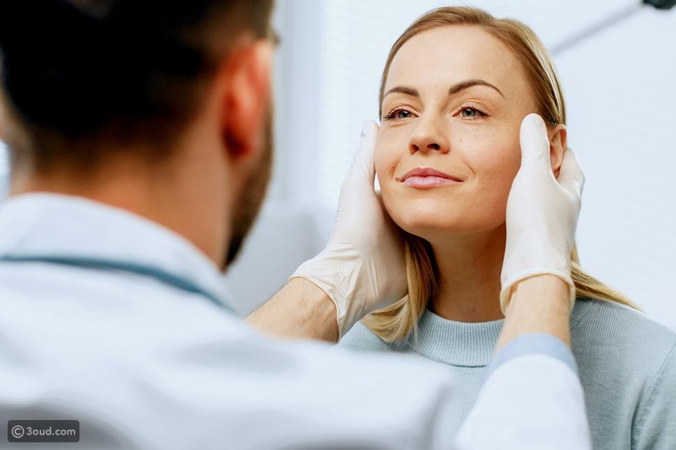 طرق تجميل الأذن بدون جراحة