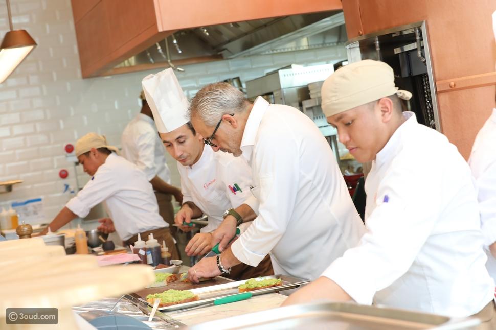 مطعم ريڤييرا يقدم قائمة الفطور للمرة الأولى