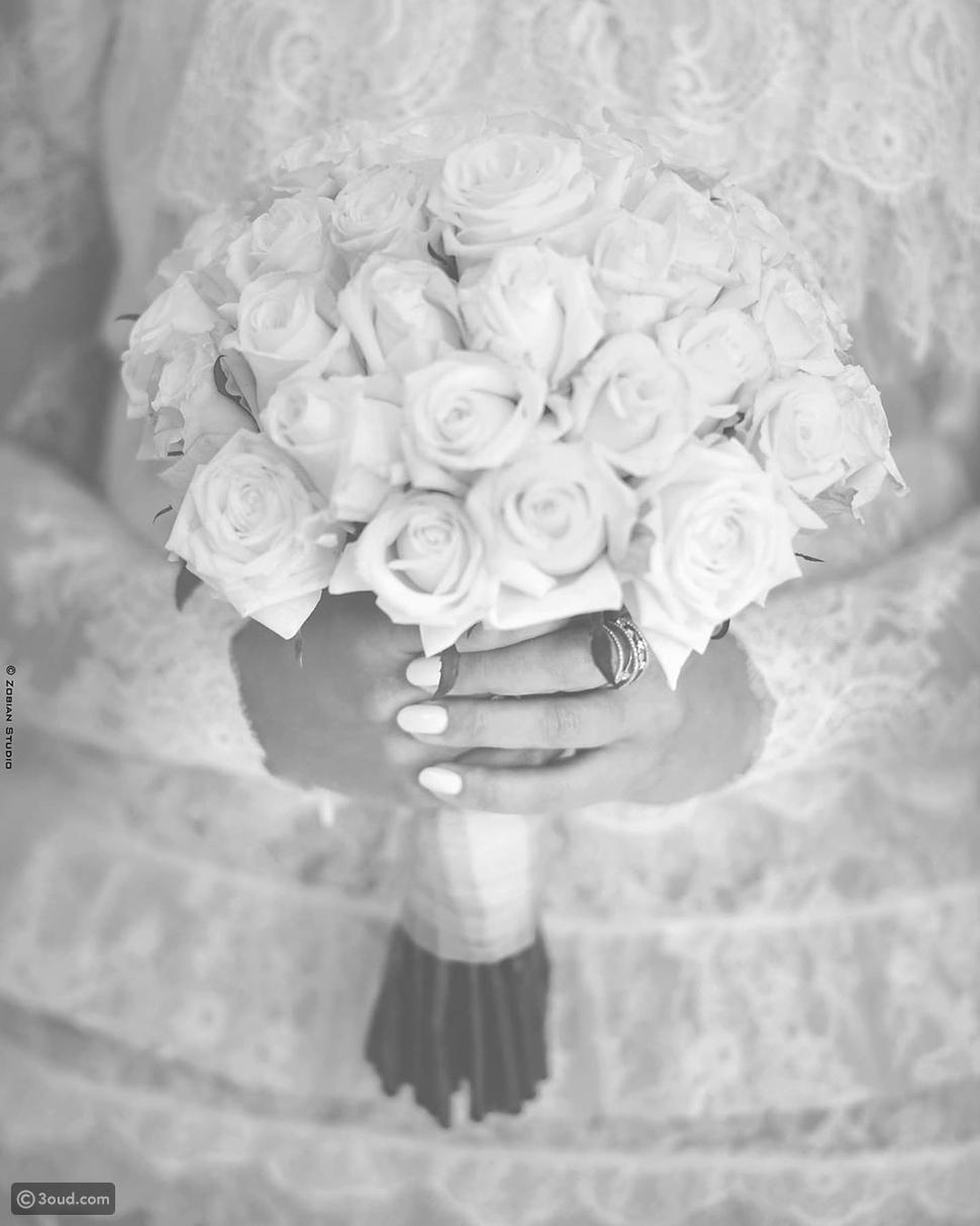 تفاصيل إطلالة زفاف كارلا حداد