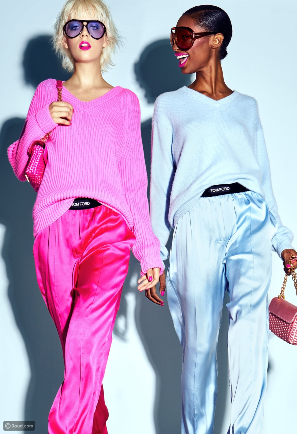 ملابس بألوان صيفية مبهجة
