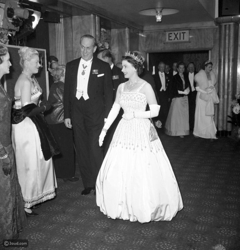 الأميرة بياتريس تحتفل بزفافها مرتدية فستان جدتها