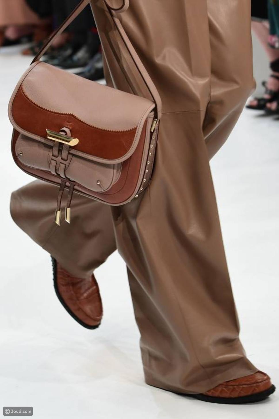 """حقيبتان معاً..صيحة جديدة في عالم الأكسسوارات من """"تودز"""""""