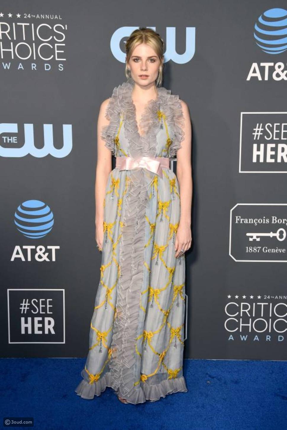 أسوأ إطلالات النجوم في critic's choice awards