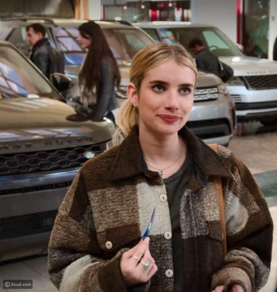 أعيدي استخدام ملابسك القديمة على طريقة إيما روبرتس في The Holidate