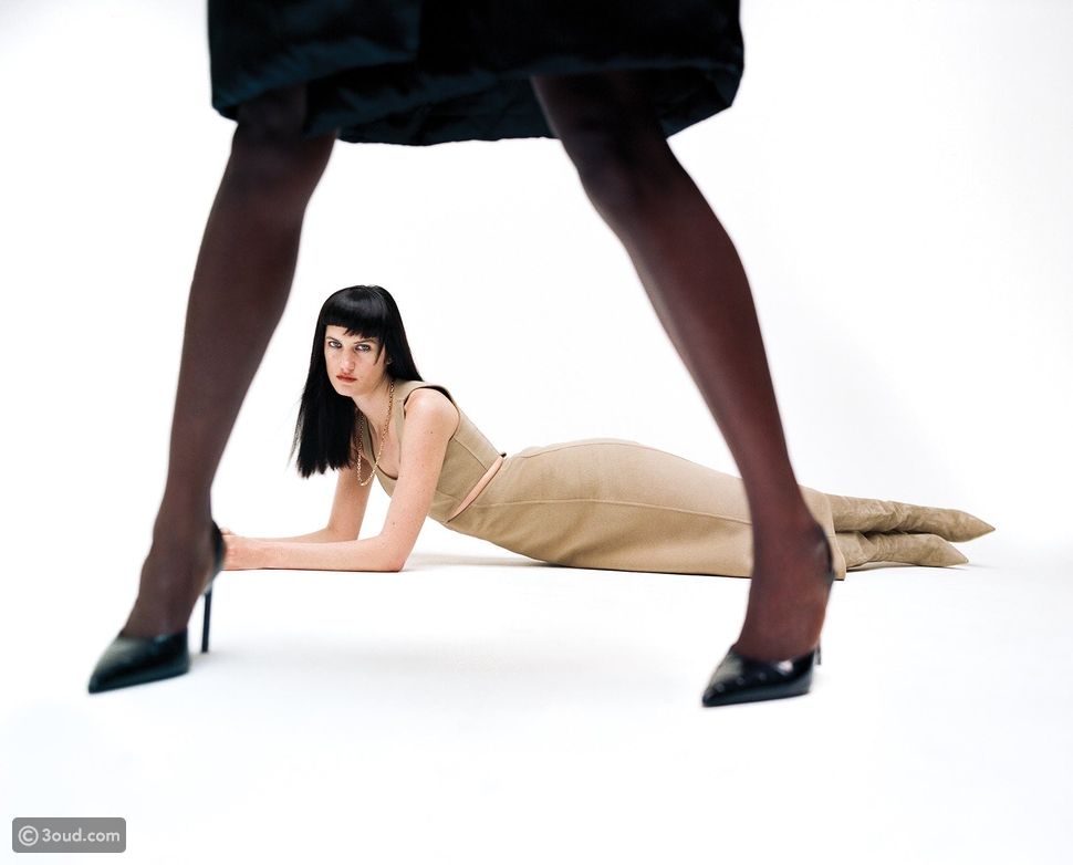 فستان وحذاء مجموعة MICHAEL KORS COLLECTION قلادة TIFFANY & co