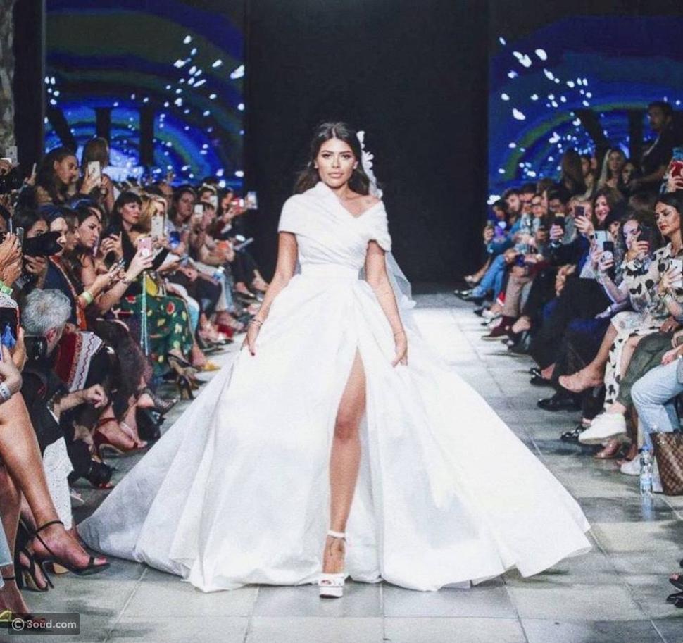 ليدي فوزازا ترتدي فستان الزفاف