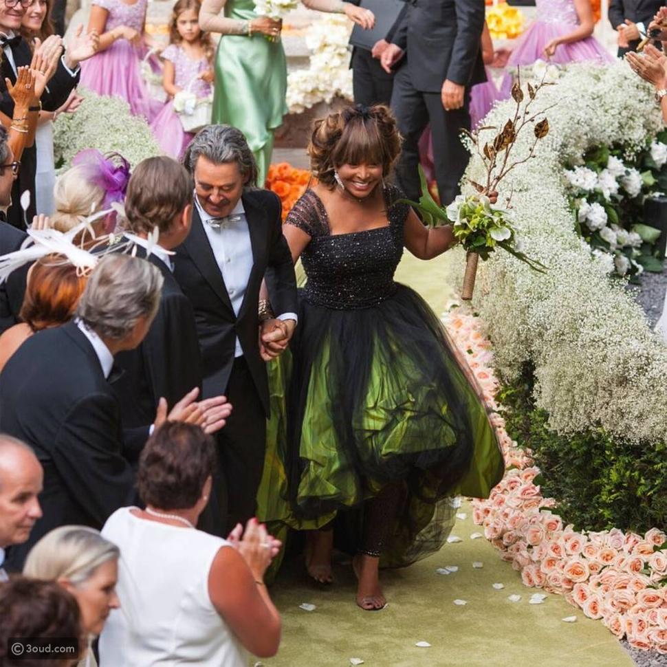 مشاهير تمردوا على فساتين الزفاف البيضاء