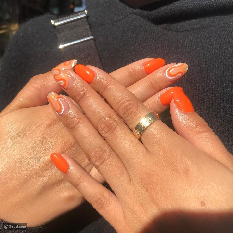البرتقالي الساطع